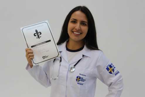 Aluna do Acadêmico é aprovada em Medicina