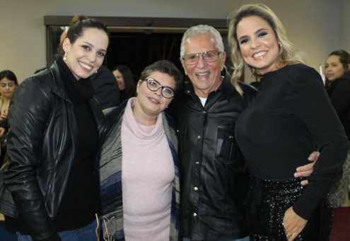 Cintia Abravanel e Carlos Alberto de Nóbrega, prestigiam inauguração do maior salão de beleza da América Latina