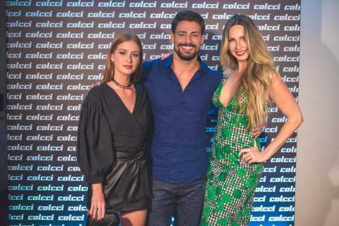Cauã Reymond e Marina Ruy Barbosa marcam presença no lançamento da nova coleção da Colcci