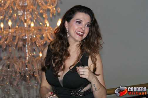 Programa Tv Fama comemora 19 anos com festa repleta de famosos
