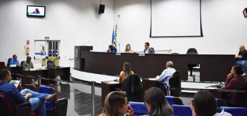 Serviços públicos estão nos pedidos dos vereadores durante a Sessão