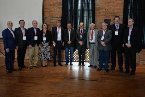 Prefeito de Limeira acompanha evento em comemoração à indústria