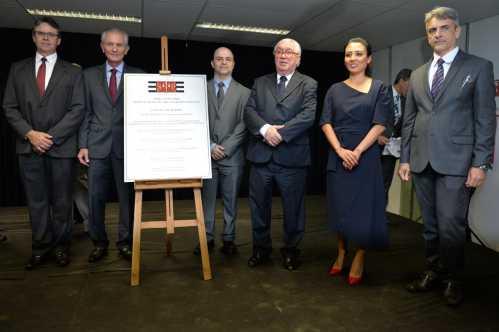 Inauguração do fórum é acompanhada pelo prefeito de Limeira