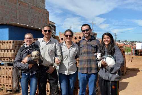 Programas da Prefeitura de Limeira apoiam família na construção da casa própria