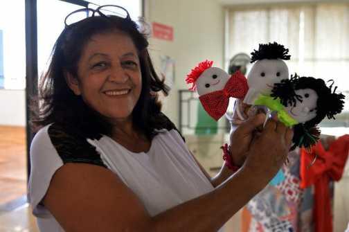 Curso de artesanato em Limeira encerra capacitação com ação solidária