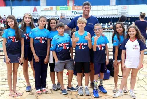 Nosso Clube conquista 25 medalhas em torneio de natação realizado em Americana