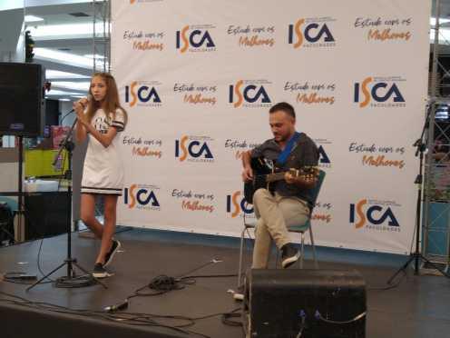 Lívia Peruzza é vencedora do concurso ISCA Festival