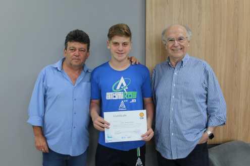 Aluno do Acadêmico ganha ouro e está entre os melhores do Brasil na OBI