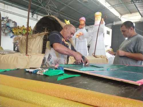 Talento e arte de Parintins marcam presença na Parada de Natal em Cordeirópolis