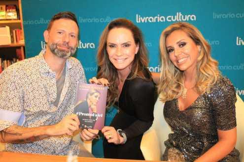 Renata Banhara lança Biografia com presença de famosos e promete doar renda a instituição Maria da Penha