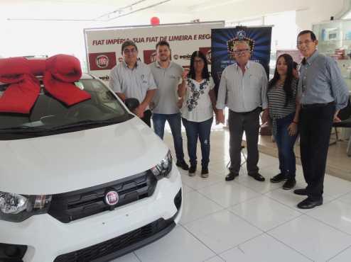 ACIL entrega Fiat Mobi Zero Km para consumidora limeirense