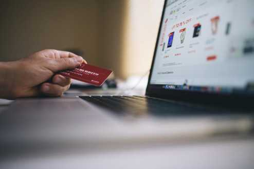 E-commerce brasileiro cresce 22,7% e fatura mais de R$ 75 bilhões em 2019, afirma Compre&Confie