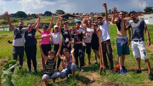 Prefeitura de Limeira e Projeto Reflorestar plantam 140 mudas no Jd. Lagoa Nova