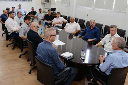 Setores da economia se reúnem com o prefeito de Limeira