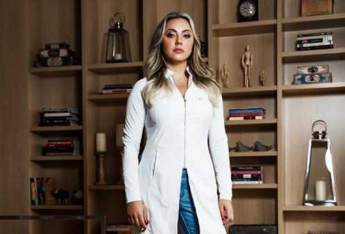 Dentista Manuela Bafini é a criadora da técnica de preenchimento sem agulhas
