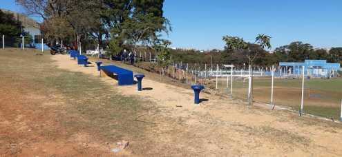 Prefeitura de Limeira instala corrimão em Centro Comunitário do Cecap