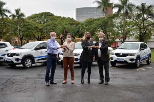Botion entrega seis novos veículos à Saúde de Limeira