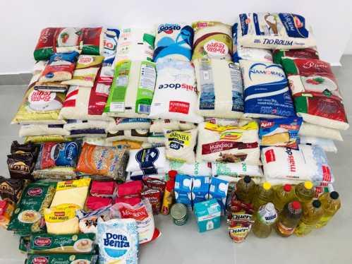 Cinema solidário arrecada quase meia tonelada de alimentos à Ainda