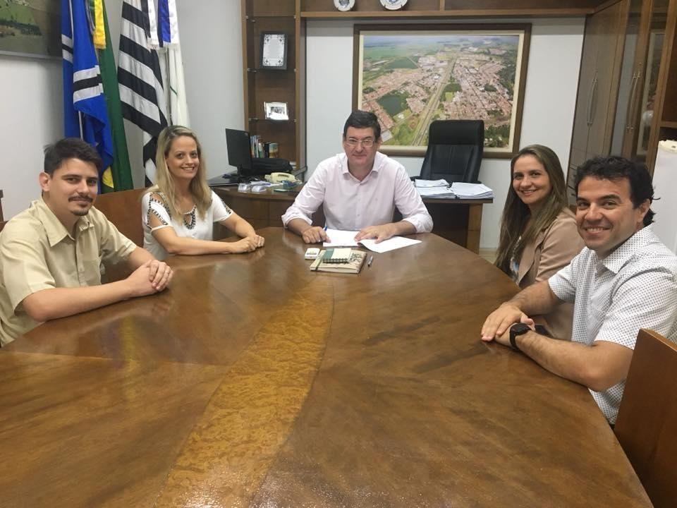 Foi assinado o contrato para início da reforma na Escola Amália em Cordeirópolis