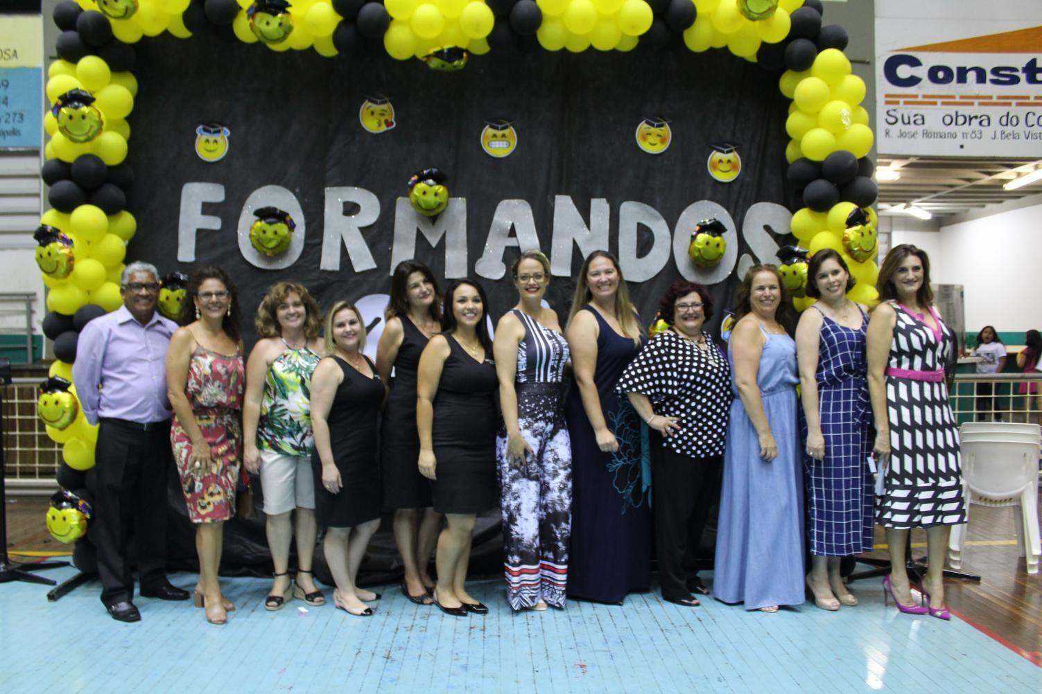 Noite de despedida e emoção na formatura do EJA e Ensino Fundamental em Cordeirópolis