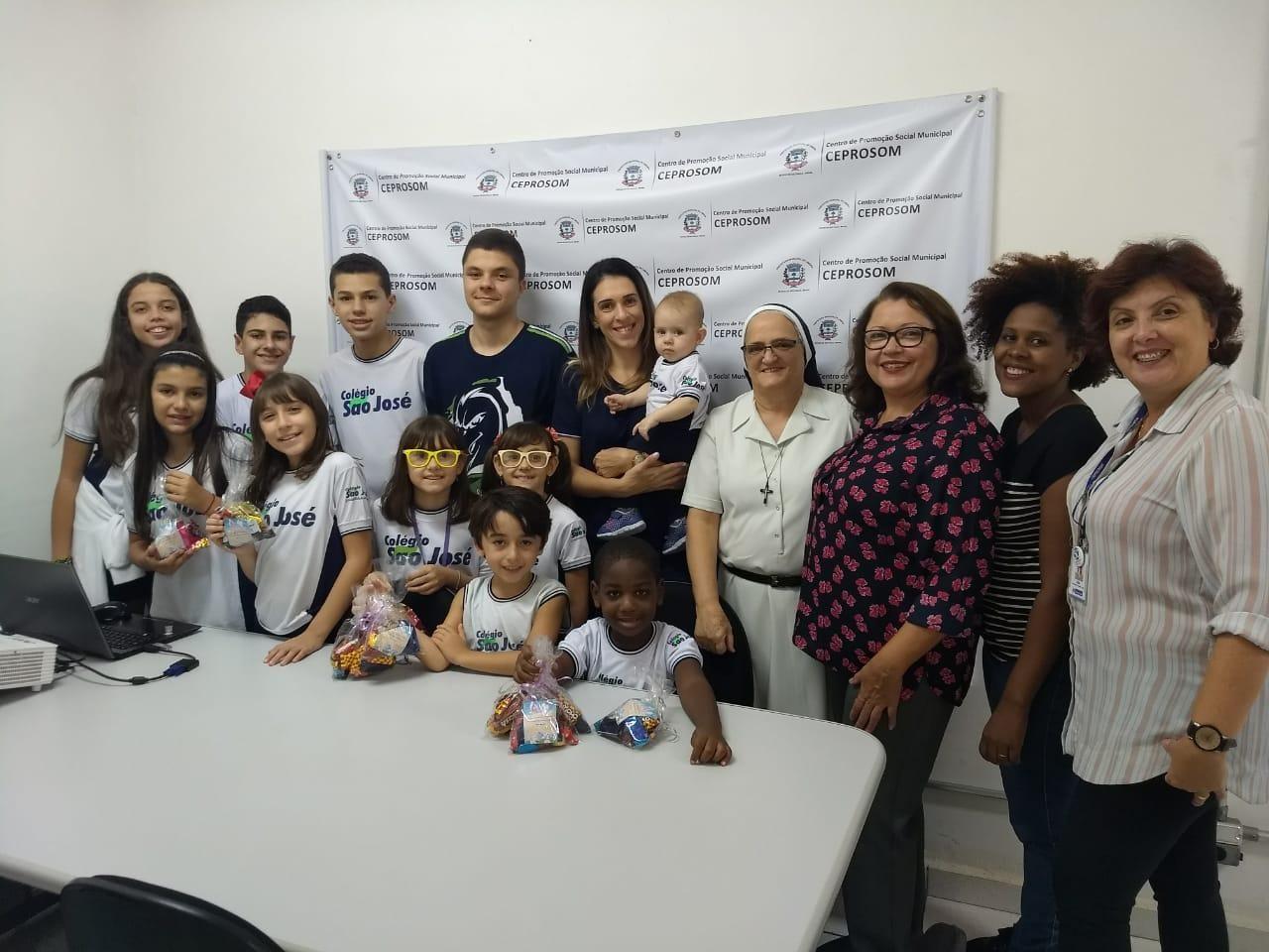 Ceprosom recebe doação de chocolates para o Serviço de Convivência e Fortalecimento de Vínculos