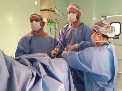 Hospital Unimed Limeira realiza cirurgia urológica inédita na cidade
