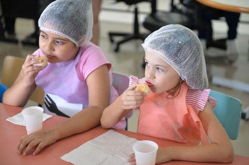 Crianças de Limeira aprendem receitas na Oficina da Merendinha