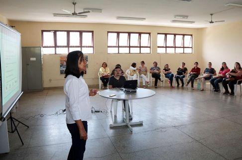 Vacinadores participam de capacitação sobre campanha da gripe