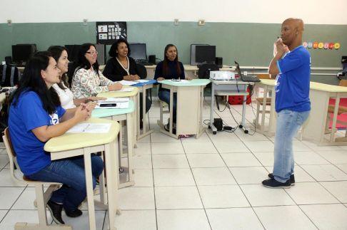 Prefeitura de Limeira mantém curso de Libras para servidores municipais