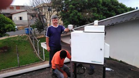 Equipamento para monitorar o ar é colocado na Policlínica em Santa Gertrudes