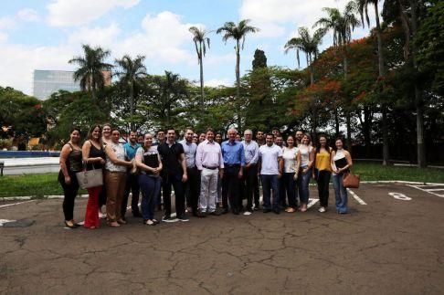 Prefeito de Limeira recebe 24 profissionais do Mais Médicos