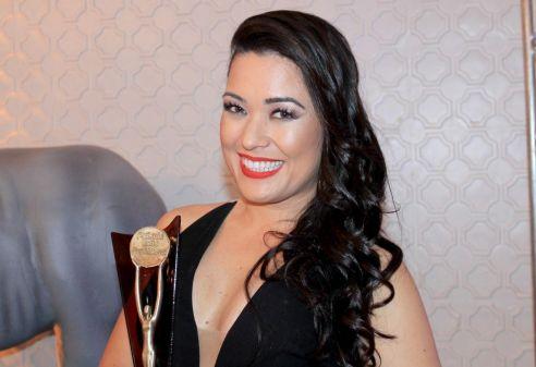 Famosos participam de Premiação da área da beleza em SP