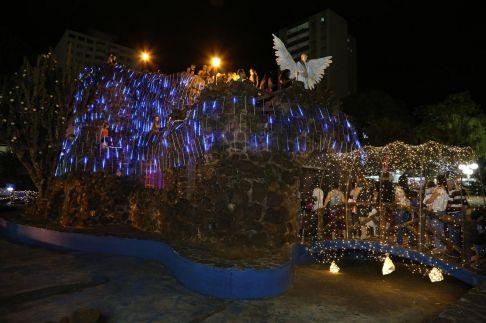Praça Toledo Barros em Limeira recebe Papai Noel e decoração natalina