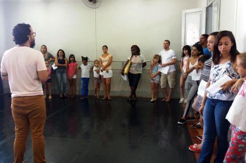 Volta às aulas reúne mais de 500 alunos para cursos de música e artes