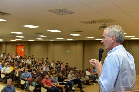Prefeito de Limeira prestigia Semana do Empreendedor
