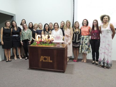 """CME da ACIL comemorou 14 anos com a palestra """"Felicidade de batom"""""""