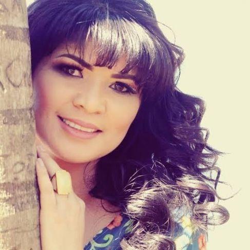 Neya Fernandes se destaca como cantora nas redes sociais e desenvolve ações sociais no sertão nordestino