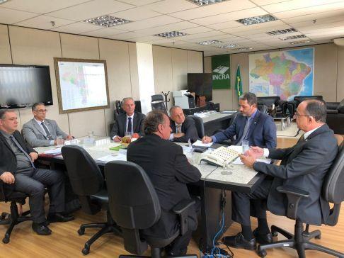 Em Brasília, prefeito de Limeira discute posse do horto
