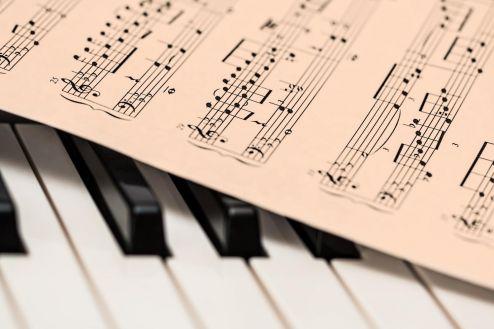 Música potencializa a capacidade cognitiva e beneficia a memória