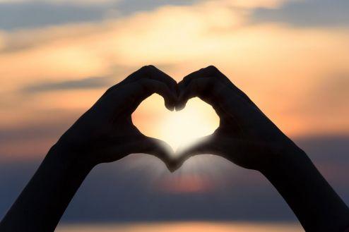Comércio otimista com o Dia dos Namorados