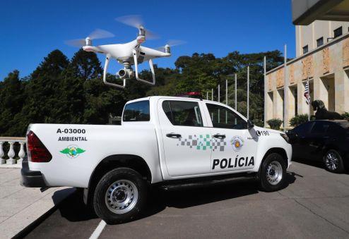 Governo de SP entrega 18 drones e autoriza compra de 141 veículos para PM Ambiental