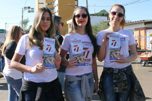 Revista do aniversário de Cordeirópolis é lançada durante o desfile cívico