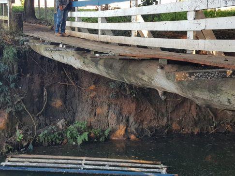 Passarela do Parque Ecológico de Limeira sofre vandalismo