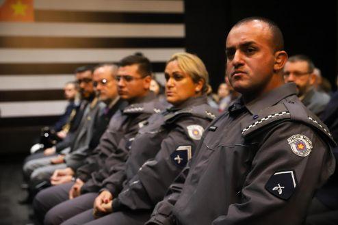 Estado homenageia os policiais nota 10 do mês