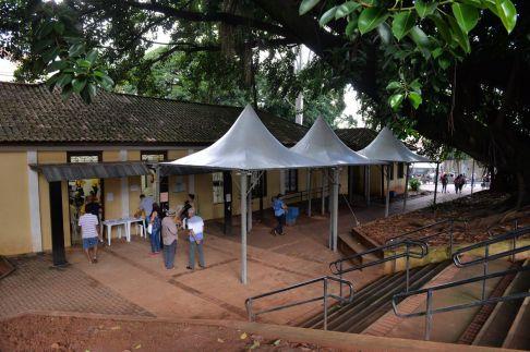 Prefeitura de Limeira instala tendas para melhorar atendimento em recadastro