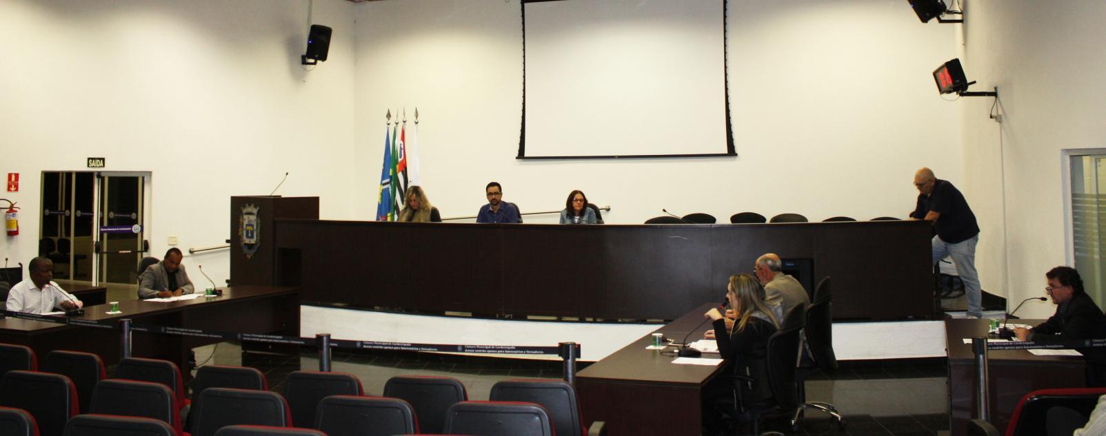 Parlamentares aprovam projeto de obrigatoriedade de uso de madeira legalizada