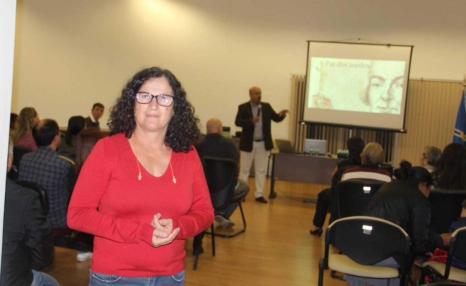 Educação, libras e inclusão são temas de encontro para surdos em Cordeirópolis