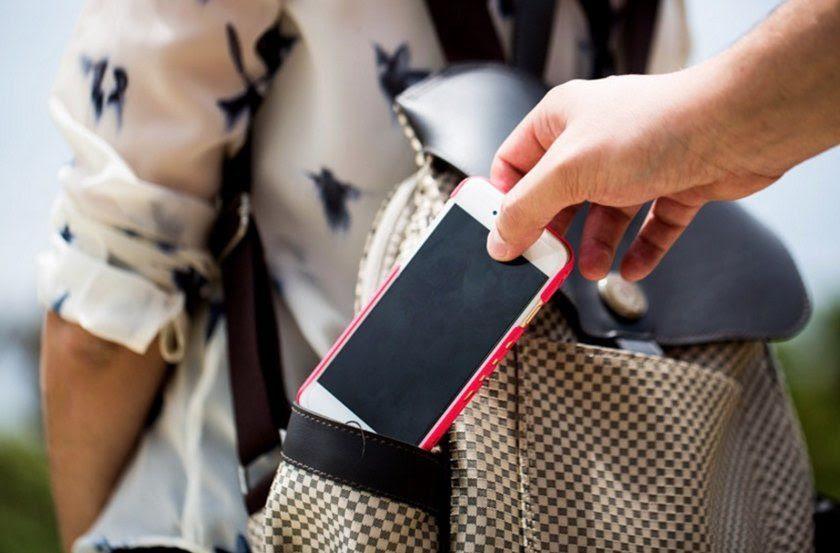 Nova pesquisa revela que metade dos internautas brasileiros já teve um celular roubado