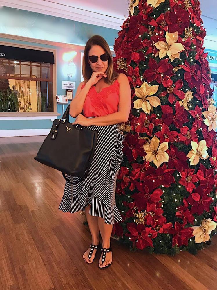 Personal Stylist Claudia Adnet aponta tendências e dá dica para look de fim de ano