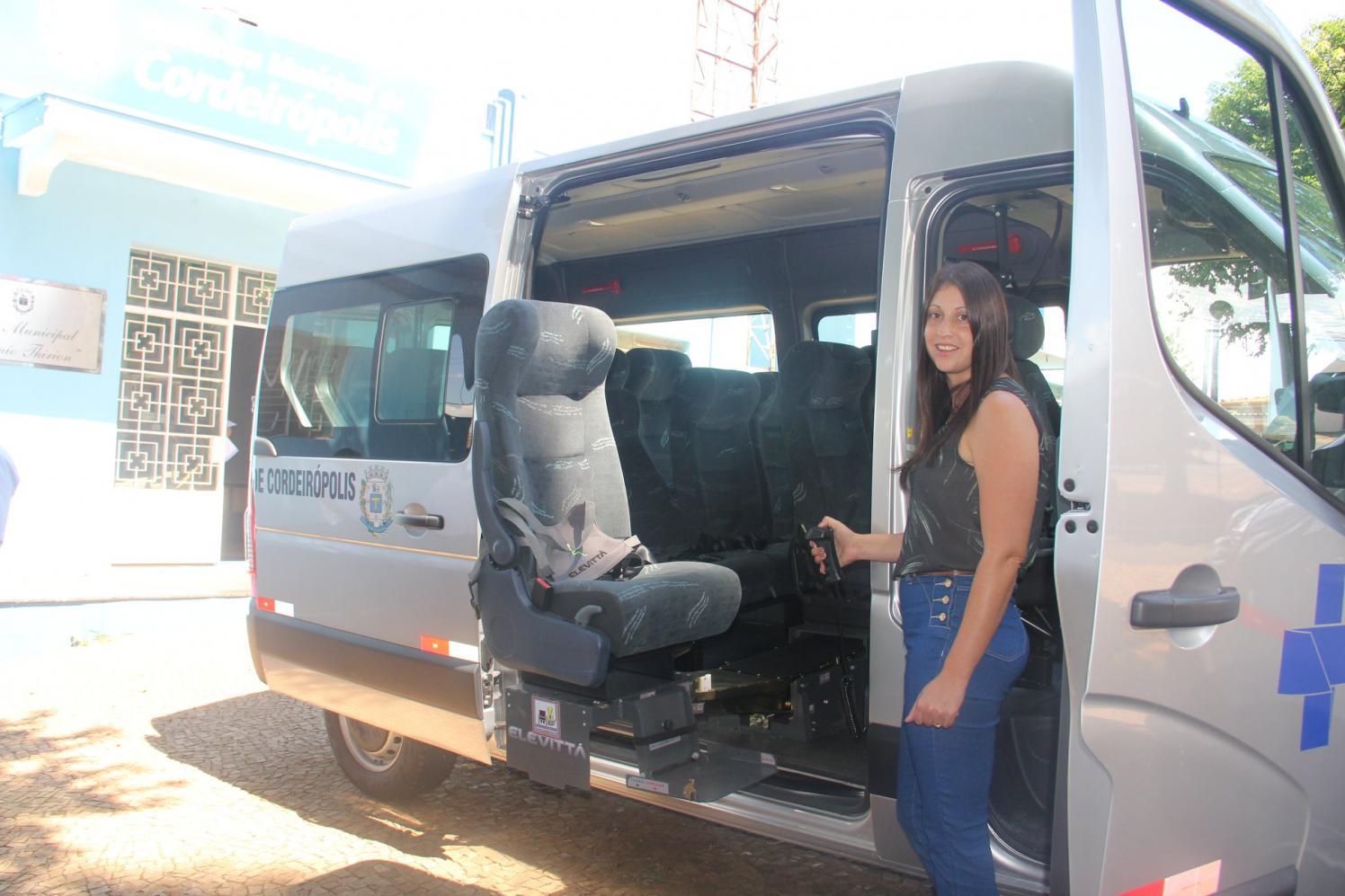 Saúde de Cordeirópolis recebe uma van adaptada para pessoas com deficiência